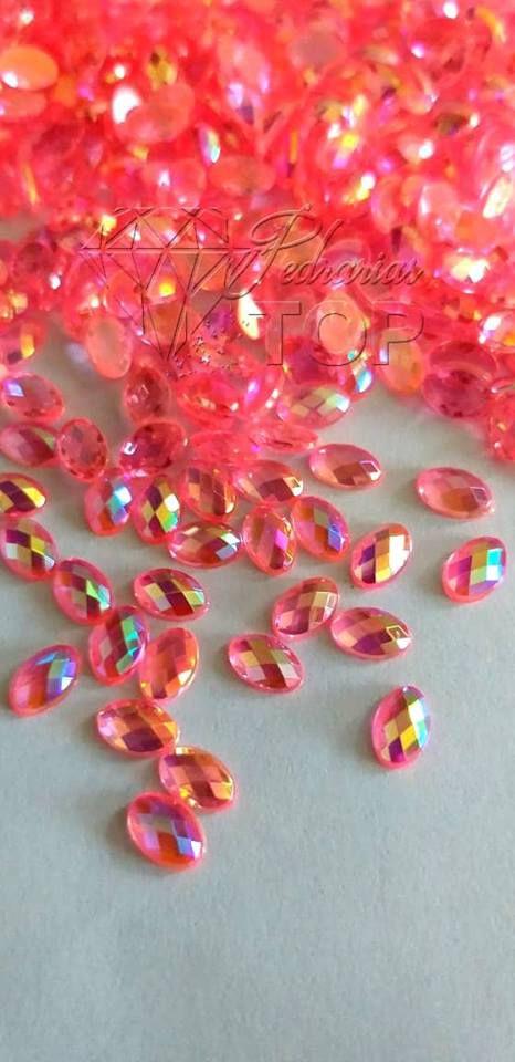 Pedra cristalina oval rosa furta cor 4x6 C/ 30 unidades
