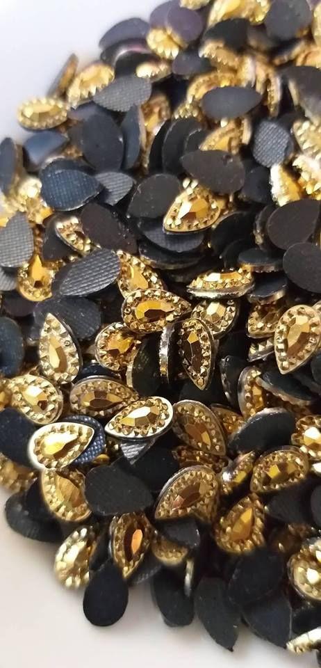 Gota epoxi dourada 5x8 c/ 30 unidades