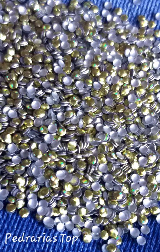 Chapinha Holográfica dourada 2mm - 500 pçs