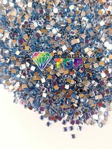 Quadradinho azul claro 3mm - Aprox. 100 pçs