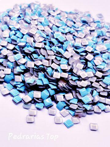 Chapinha quadrada azul claro 3mm - Aprox 100 pçs