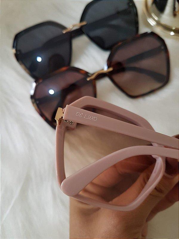 Óculos de luxo Amora