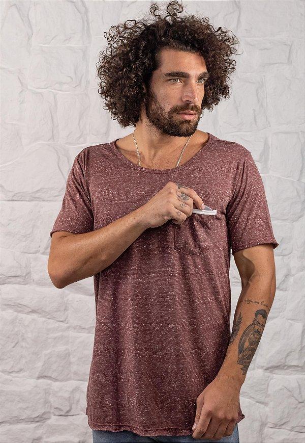 Camiseta Gola Canoa Bordô Com Bolso
