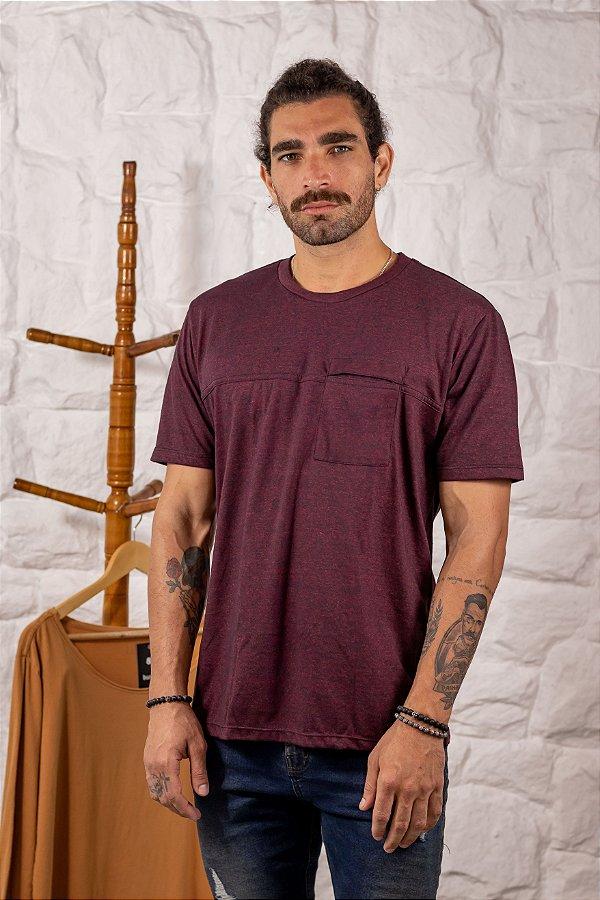 Camiseta Gola Tradicional com Bolso Rubi