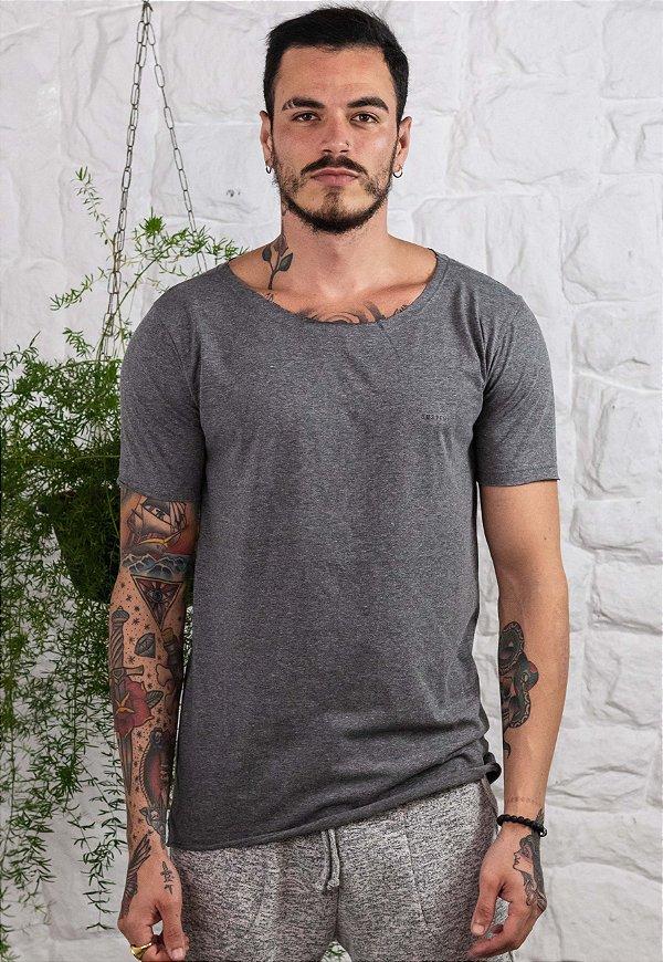 Camiseta Gola Canoa Mescla Dark