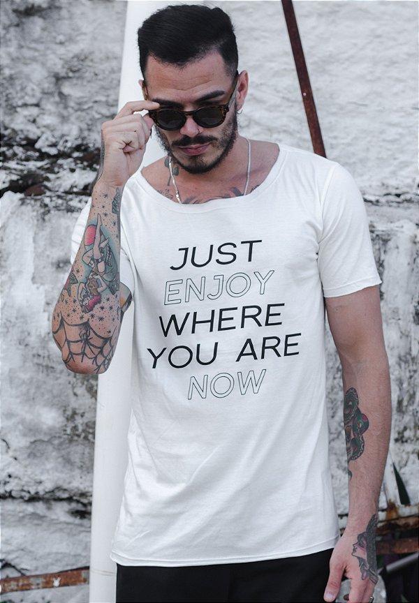 Camiseta Canoa Off White Enjoy