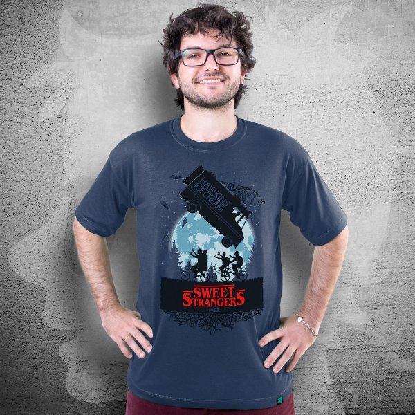 CAMISETA STRANGERS THINGS | SWEET STRANGERS | MASCULINA