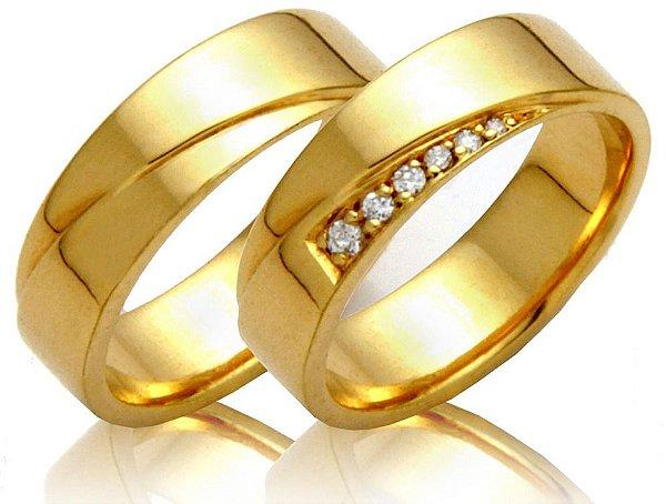 Aliança com 3 brilhantes em ouro amarelo 18k