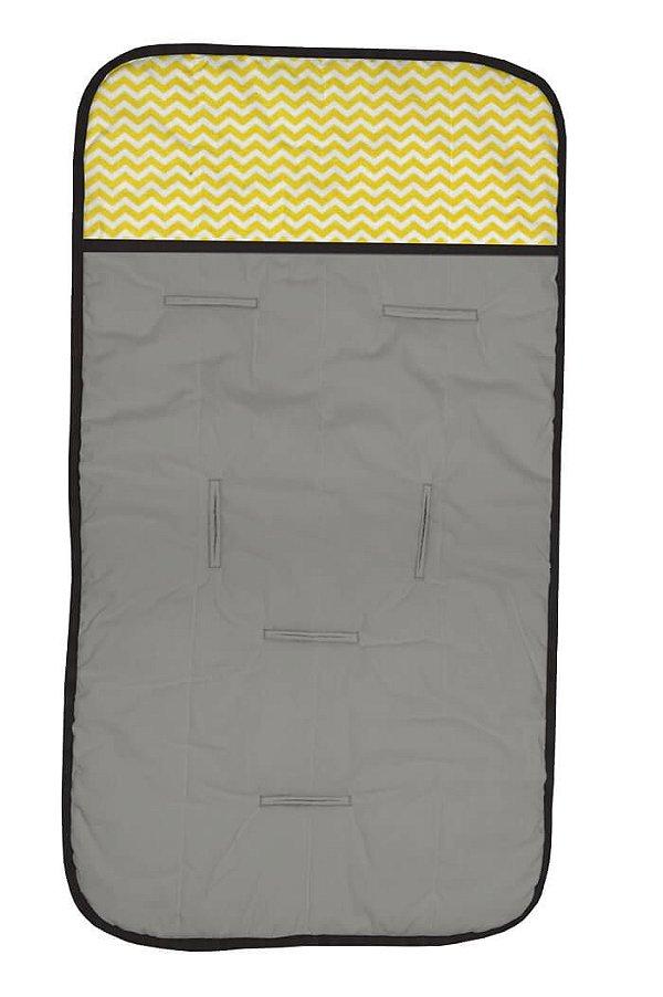 Capa de Carrinho Cinza e Mini Chevron Amarelo com Detalhes em Preto
