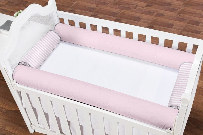 Kit Berço Rolinho 4 Peças Rosa Bebê e Listras Rosa