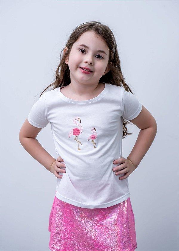 T-shirt Decote Canoa Com Aplicação de Flamingos