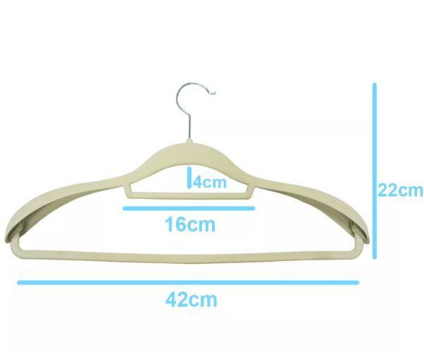 Cabide  de Veludo Para Terno Bege  CAIXA 40 Peças - Extra Forte - 22 cm (altura) x43 cm (largura) x 4 cm no corpo