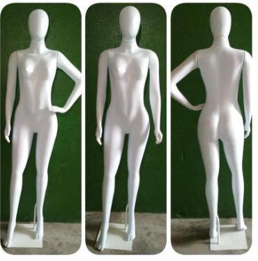 Manequim Feminino Corpo Inteiro Branco Modelo Fitness - Linha Econômica ( Plástico) + Base 30x30 Grátis - Altura :1,75m - Tempo de produção 8 dias  uteis - Frete não Incluso