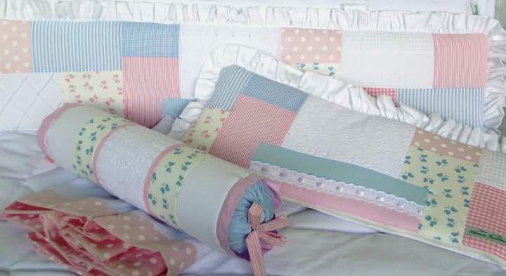 Kit Mini Berço patchwork rosa e azul com 07 peças
