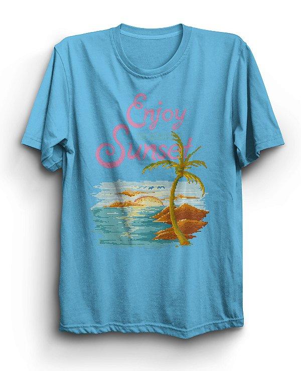 Camiseta Básica Enjoy Sunset