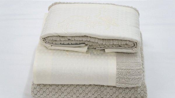 Jogo de toalha com aplique Jacquard Egípcio Bordado Lirio – Enxovart