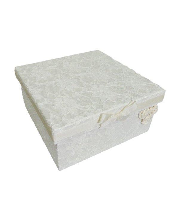 Caixa de Madeira com Renda e Flor Crochê 16x16x8cm