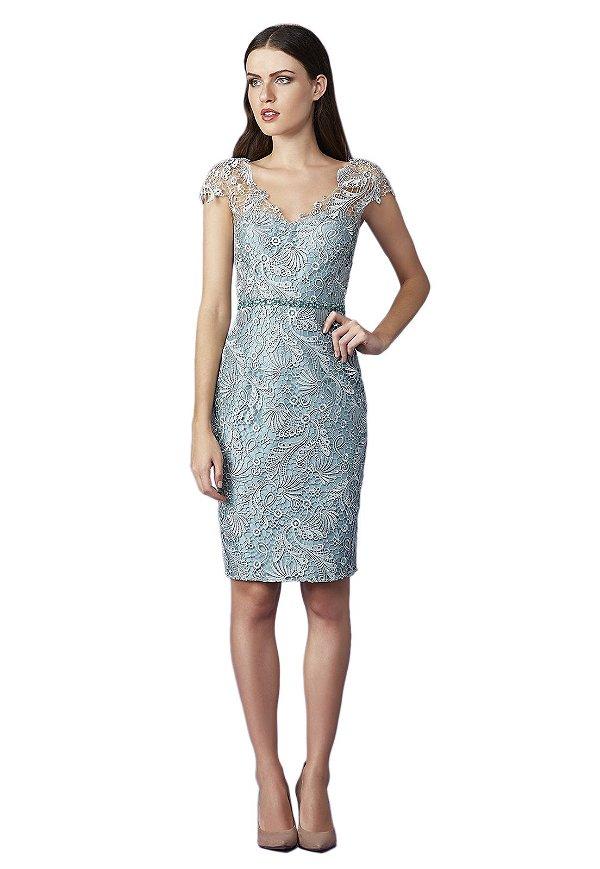 Vestido em renda guipure cinto bordado