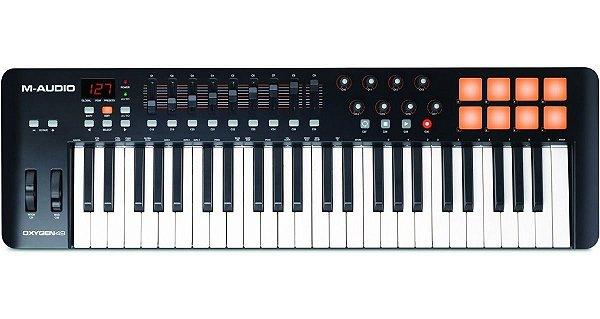 Teclado Controlador M-Audio Oxygen 49 IV V4 49 Teclas MIDI USB