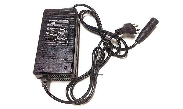 Carregador de baterias de lítio 36V 3A