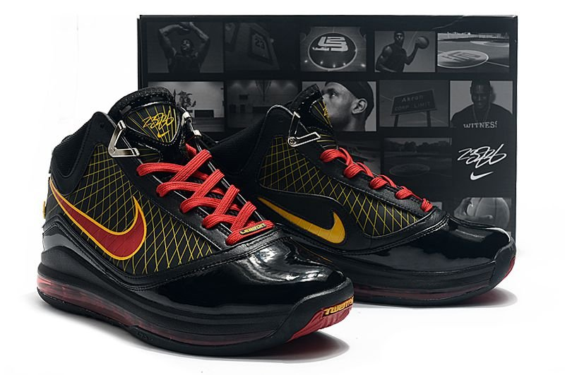 Nike Lebron 7 (Black Friday)