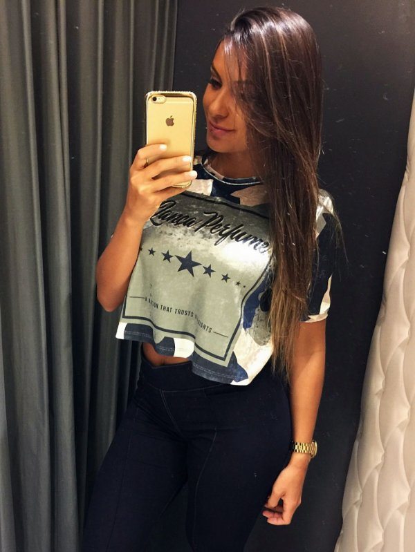 T-SHIRT CROPPED COM ESTAMPA