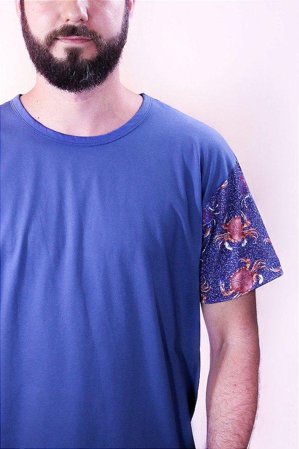 Camiseta Confort Tempestas Crustacea com Estampa de Siris