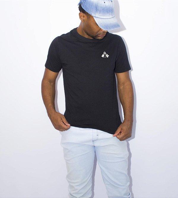 Camiseta preta amaciada Básica