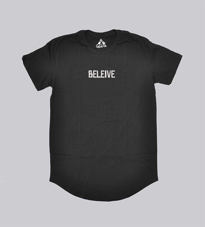 Camiseta estampada palavra believe