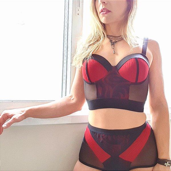 Conjunto Preto Vermelho Sutiã Cropped com bojo Calcinha Hot Pant