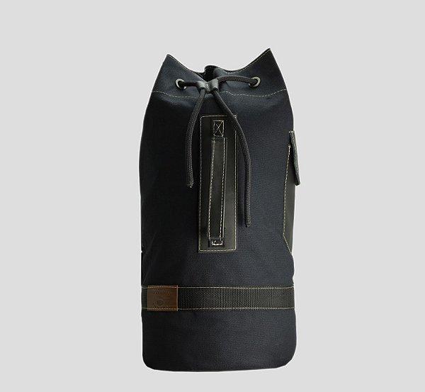 Mochila tubular em couro legítimo e lona masculina para academia e camping Roma - Preta - Tamanho M