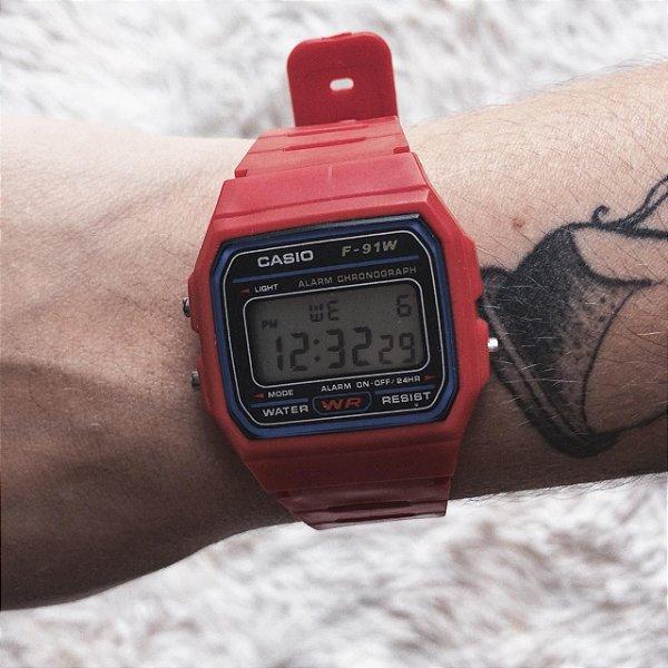 Relógio vintage vermelho