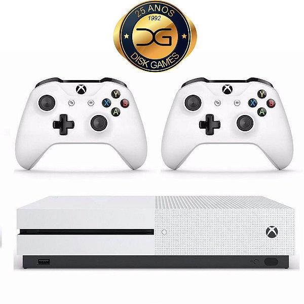 Xbox One S 500 GB com 2 controles