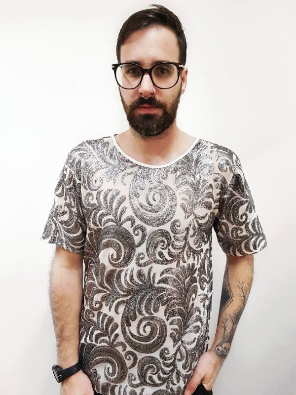 Camiseta Paetê Ondas