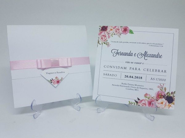 Convite de casamento branco floral rosa