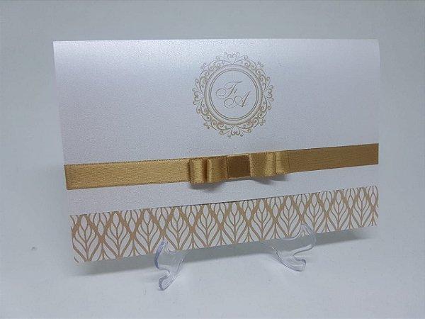 Convite classico dourado perolado
