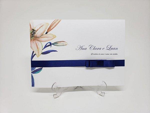 Convite floral moderno e laço azul marinho