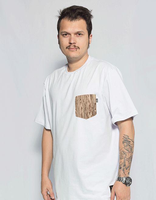 Camiseta com Bolso Madeira - Branco