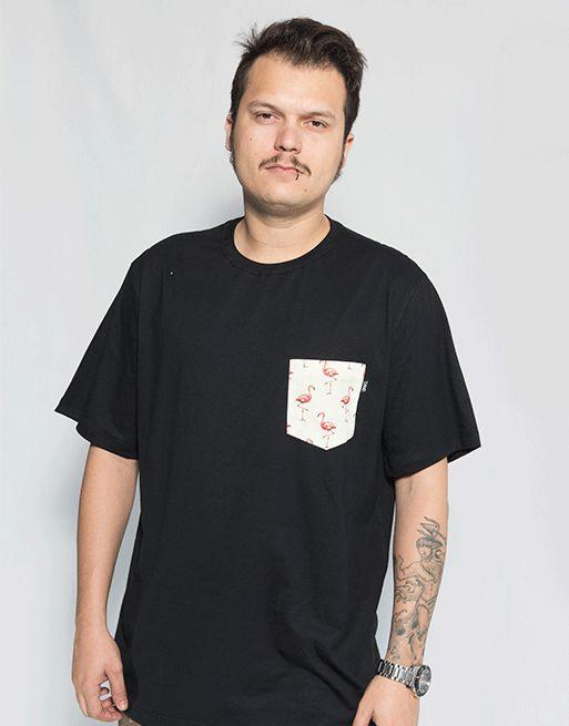 Camiseta com Bolso Flamingo - Preto