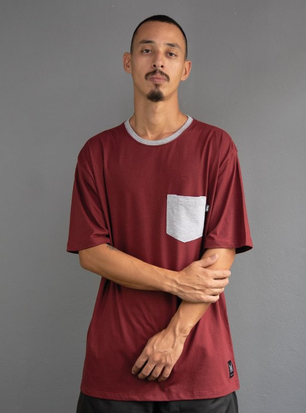 Camiseta com Bolso - Bordô e Mescla