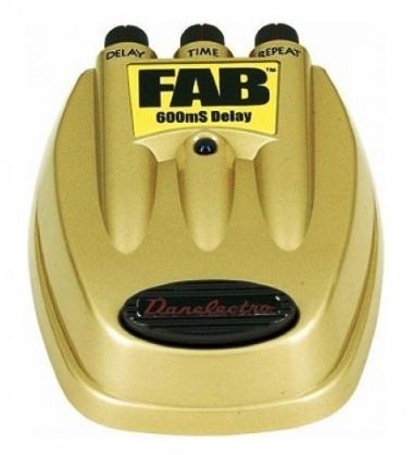 Pedal para Guitarra Danelectro FAB D08 600mS Delay