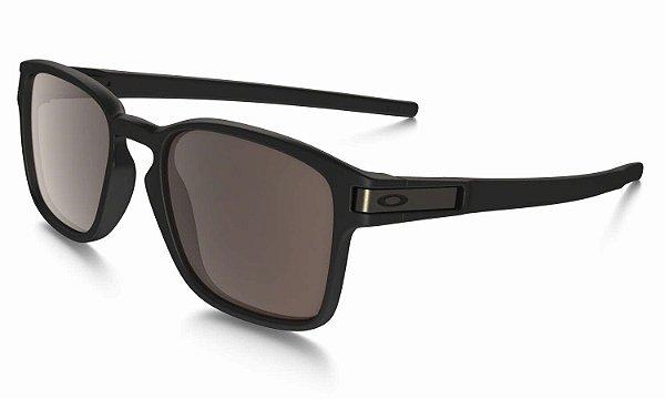 808f05834 Óculos de Sol Oakley Preto Fosco Latch Squared Masculino e Feminino ...