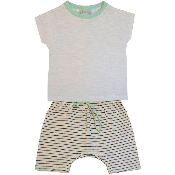 Conjunto blusa e shorts listrado