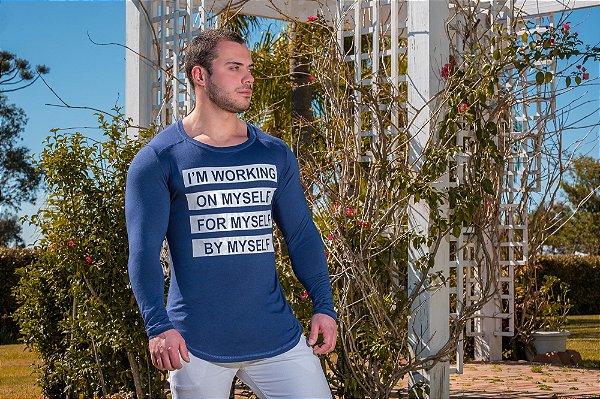 Camiseta Masculina Estampada Longline Manga Longa com Elastano Azul Marinho