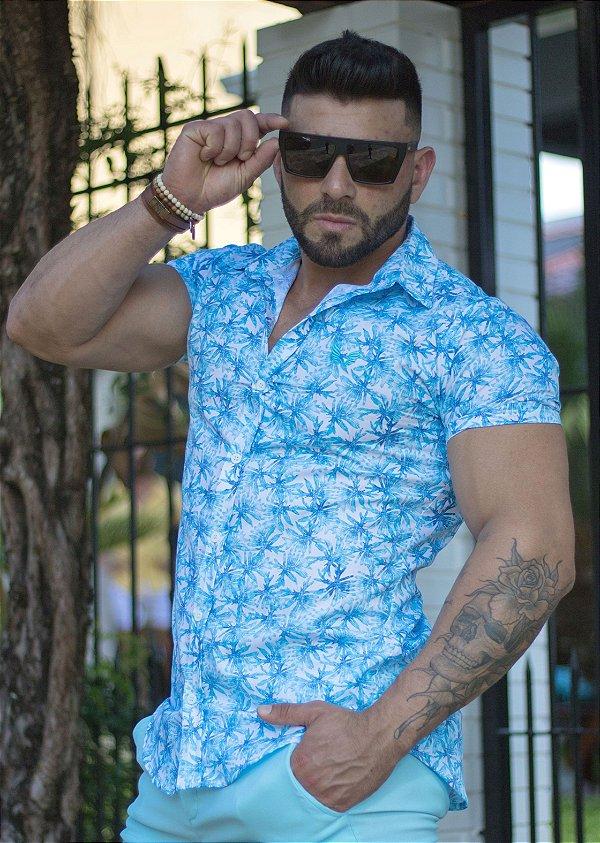 Camisa Masculina Slim Manga Curta em Tricoline Estampada Branco e Azul