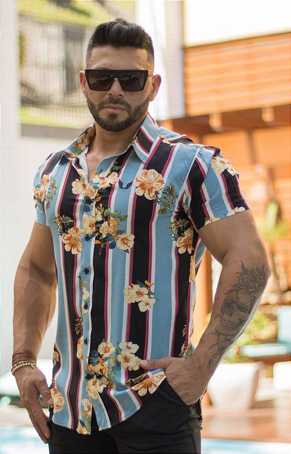Camisa Masculina Manga Curta em Viscose Estampa Listras com Floral