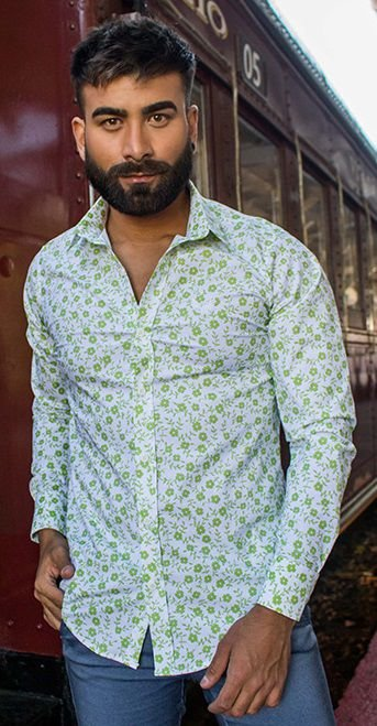 Camisa Masculina Slim Manga Longa com Elastano Estampa Floral Verde