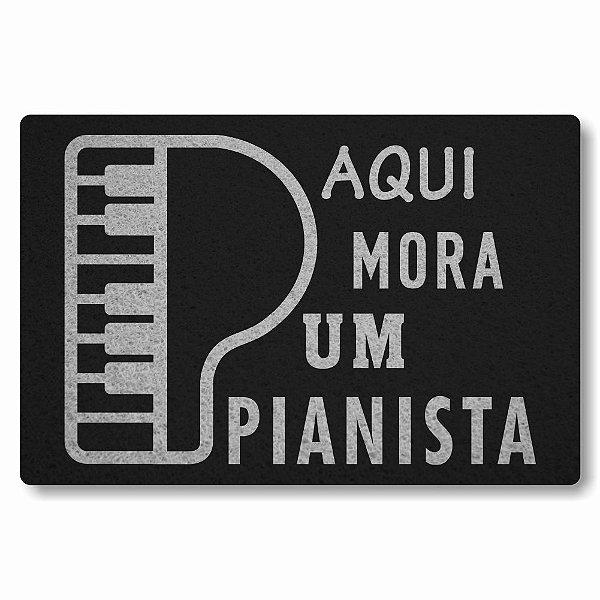 Tapete Capacho Aqui Mora um Pianista - Preto