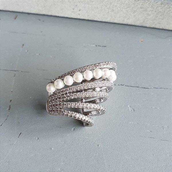 Brinco Piercing Earhook médio cravejado x pérola silver