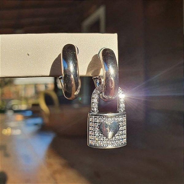 Brinco Cadeado Cravejado Silver